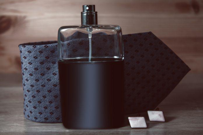 Kadınları Cezbeden 10 Erkek Parfümü