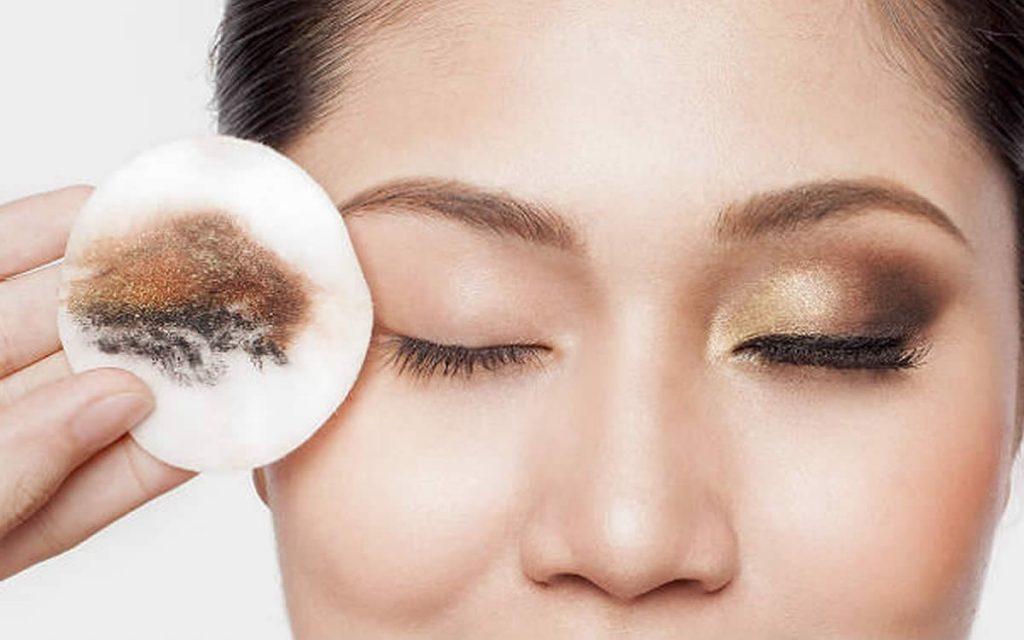 Göz makyajı temizliği nasıl yapılır